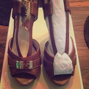 Michael Kors Tan Platform heels